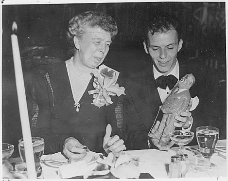 Eleanor_Roosevelt_Frank_Sinatra_1947
